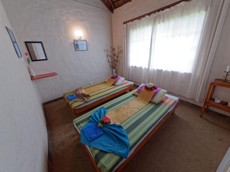 Quoimai Thai couples room