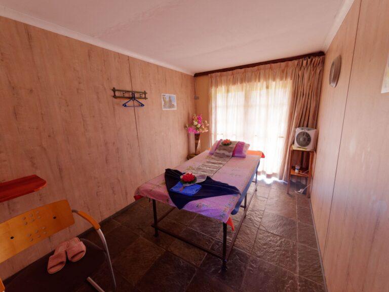 Quoimai Thai single room